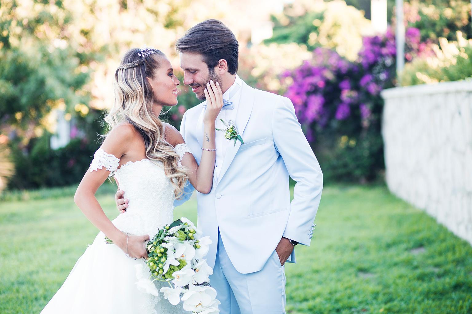 Pınar ve Yiğitcem in Çeşme de Rüya gibi Düğün Hikayesi